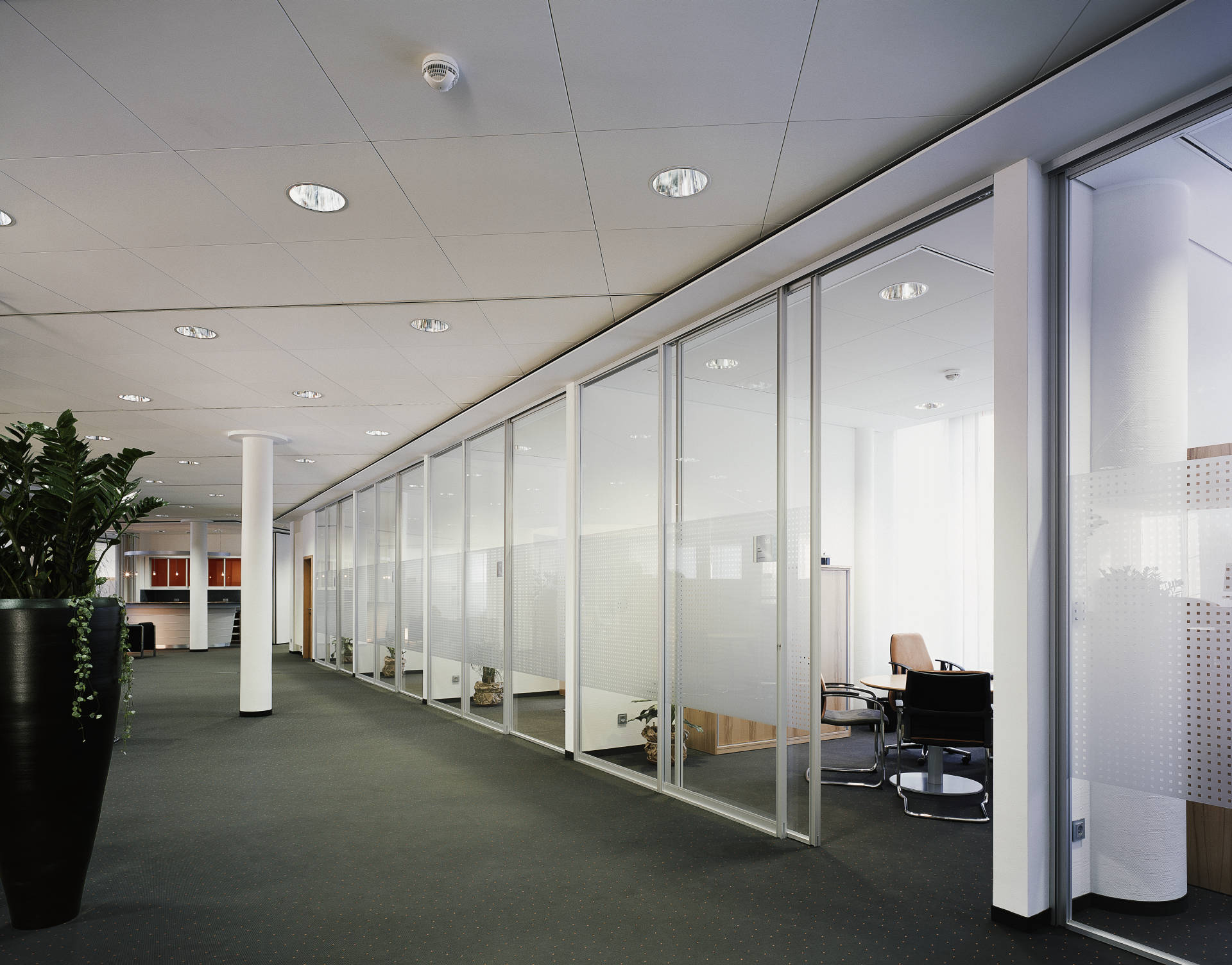 raumplus_partitioning-system-1500_glass